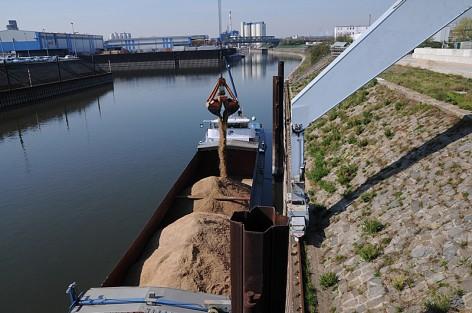 Das Schiff bietet viele Möglichkeiten für die Logistiker. (Foto: M. Zietzschmann GmbH & Co. KG)