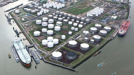 Tankstorage-Rotterdam-Minerals-slider