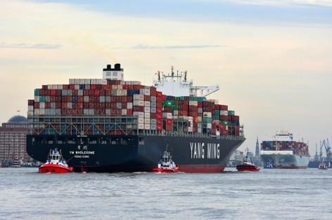 Grosskleincontainerschiffe_hat_sich_dieses_Jahr_vervielfacht_copyright_HHM_Hasenpusch-2