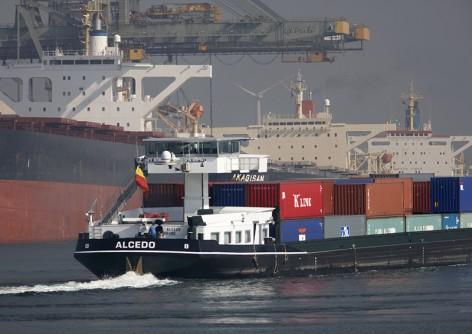 Containerschip binnenvaart