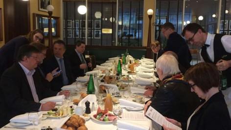_parlamentarischen-fruhstuck-berlin