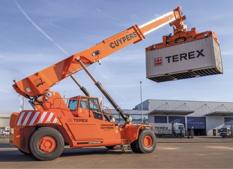 "Terex / New Lift Trucks. Voorstelling van twee nieuwe lift trucks, Liftace 5-31en Stackace E 6-8. 20/04/2015 for more images ""www.waltersaenen.com"""