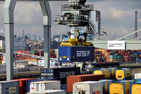 Containerterminal Contargo im Mannheimer Hafen. © Rinderspacher