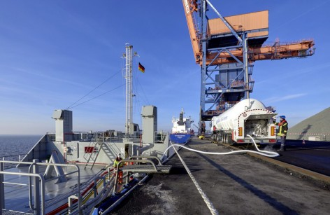 LNG-bunkering_1