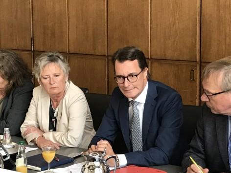 sauerwein-braksiek_und_minister_wust